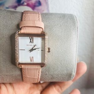 MICHAEL KORS WATCH brand new with tag